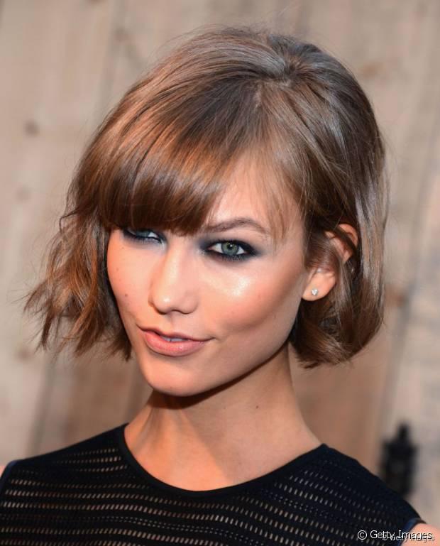 Heißeste Frisuren mit rauchigen Augen zu paaren