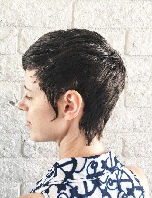 Stylish Short Wavy Hairstyle for Beste Frisur