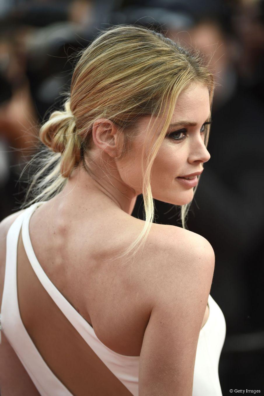 Tragbare roten Teppich Frisuren: Doutzen Kroes Cannes Hochsteckfrisur