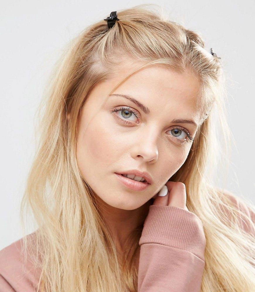 15 zeitlose und erstaunliche 90er Frisuren für Frauen