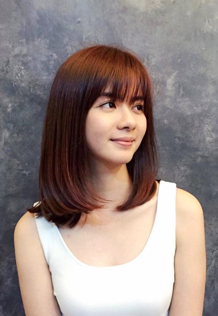 30+ vielseitige Bang Haarschnitte für mittlere Haarlänge