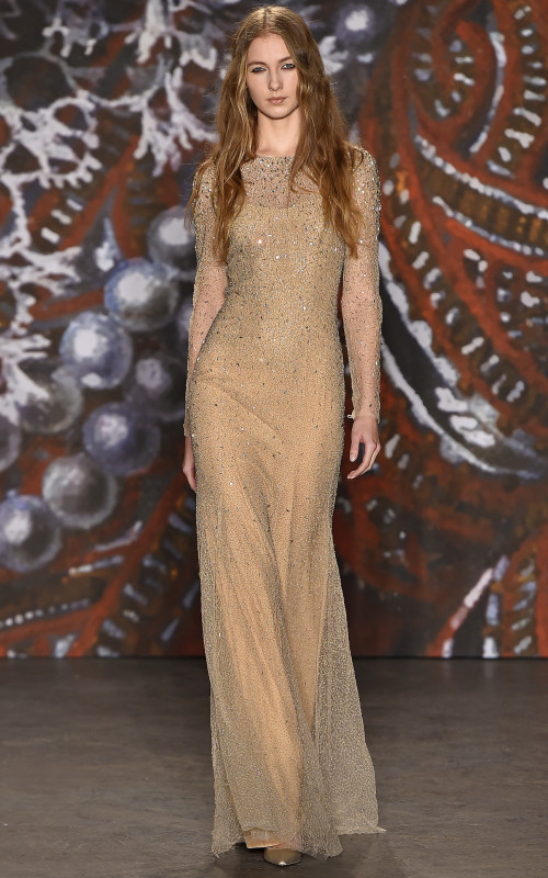 Messy Wavy Hairstyle Inspiration von Jenny Packham Neu Fashion Shows