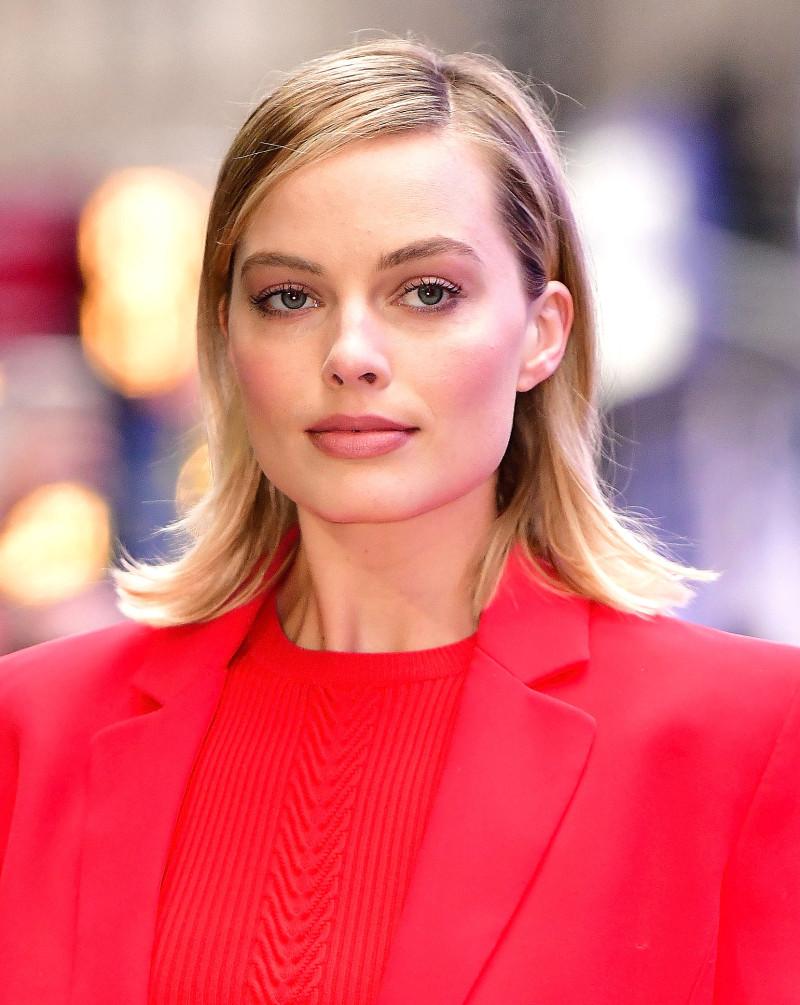 Margot Robbie Frisuren - 35 Margot Robbie Hair Looks zu verehren