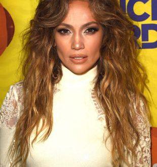 Lange Haare Ideen: J.Lo Blowout vs. große Wellen