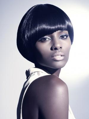 Heiße kurze Frisuren für schwarze Frauen