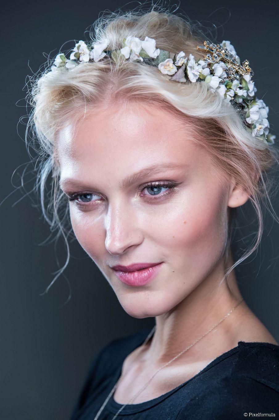 Prom Frisur Inspiration: florale Accessoires