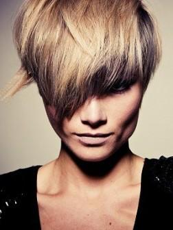 Blonde Haarfarbe & Lowlights