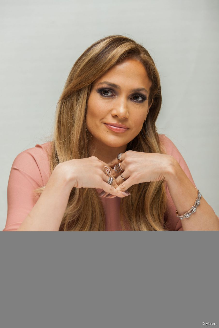 Schnelleres Föhnen: Holen Sie sich Jennifer Lopez 'wellige Frisur