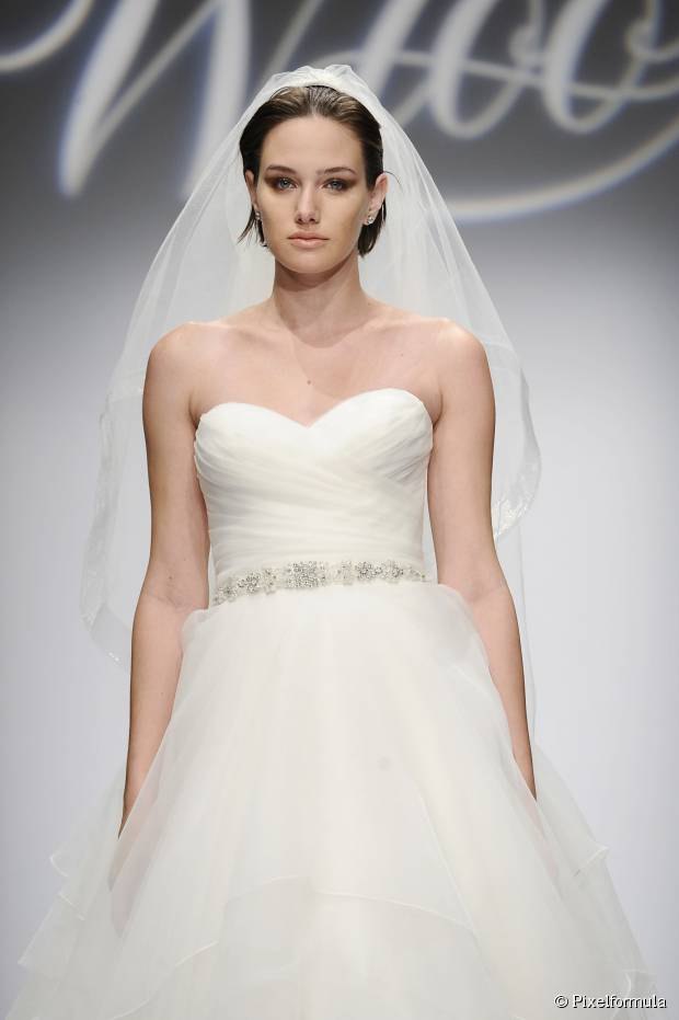 Beste Schleier-freundliche Hochzeit Frisuren für Frauen