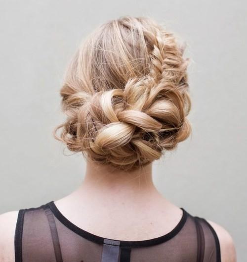 10 heißeste asymmetrische Frisuren für Neu