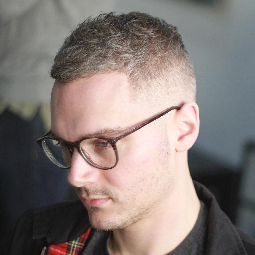 50 elegante Frisuren und Frisuren für Balding Männer