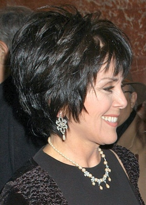 25 stilvolle kurze Frisuren für ältere Frauen
