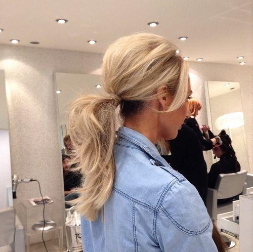 35 super-einfache unordentliche Pferdeschwanz Frisuren