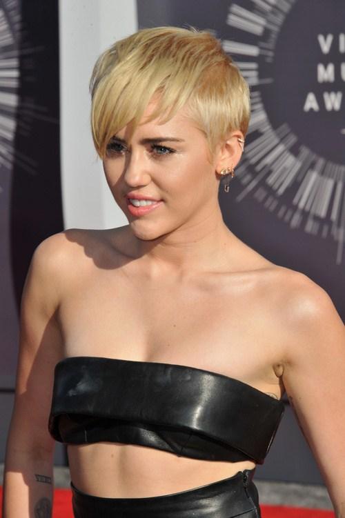 Miley Cyrus Haircuts und Frisuren - 20 coole Ideen für Haare jeder Länge