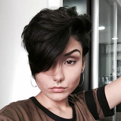 Pixie Haarschnitte für dickes Haar