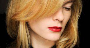 Wie man dein kurzes Haar beim Föhnen färbt