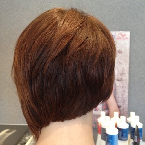 Top 40 Catchy Asymmetric Haircuts für aufmerksamkeitsstarke Gals