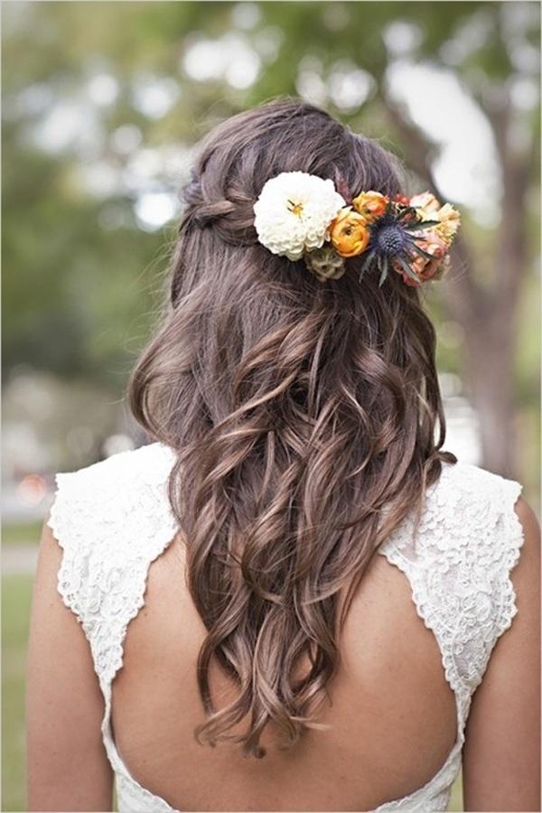 30 elegante und anmutige Hochzeit Frisuren mit Blumen