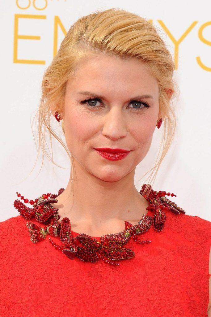 21 Spektakuläre und neueste Frisuren für Frauen