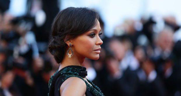 Party Hair Tutorial: Zoe Saldanas Cannes Hochsteckfrisur