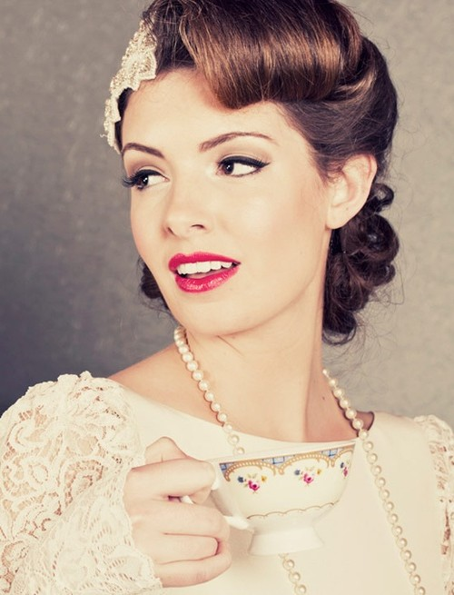 Elegante Hochzeits-Frisur-Ideen für Neu