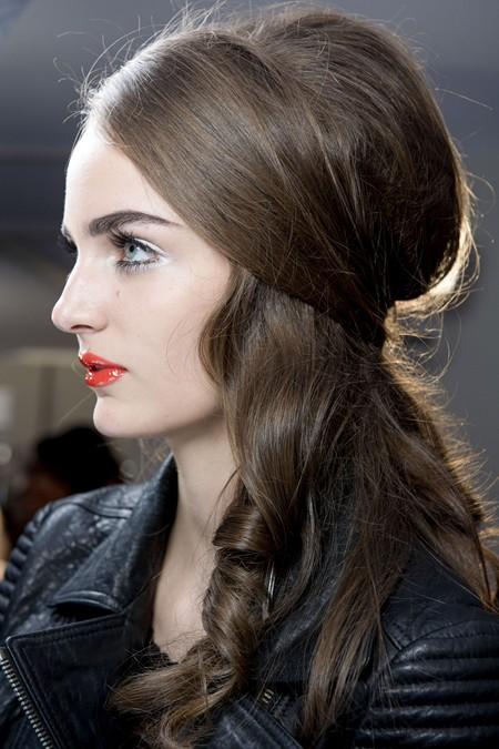 5 wunderschöne Styles für schokoladenbraunes Haar