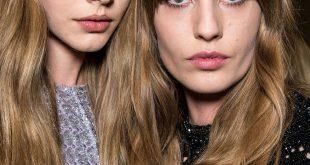 Wie man glattes, glänzendes Haar bekommt - einfache Styling-Tipps