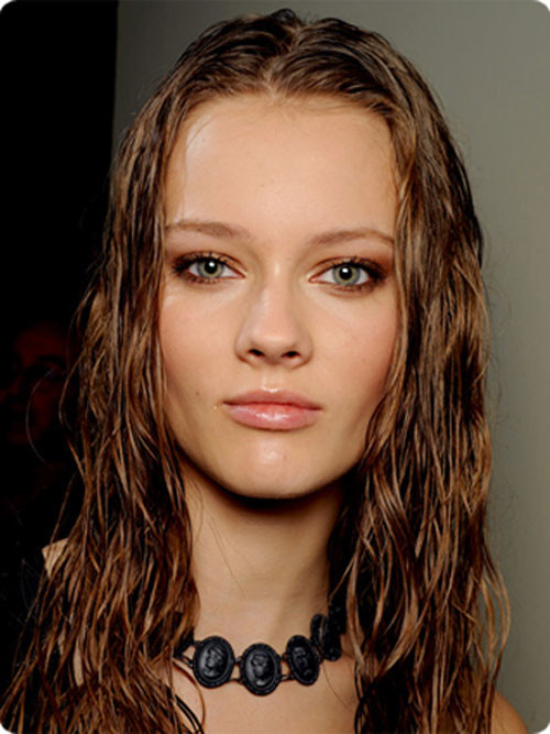 Neu schlanke Wet-Looking Frisuren