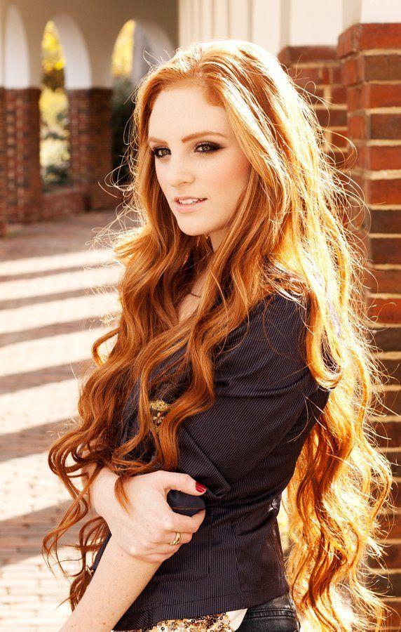 30 Exklusive Damenfrisur mit langem Haar