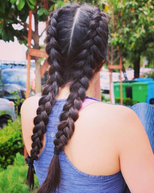 20 Yoga Frisuren für schöne und friedliche Praxis