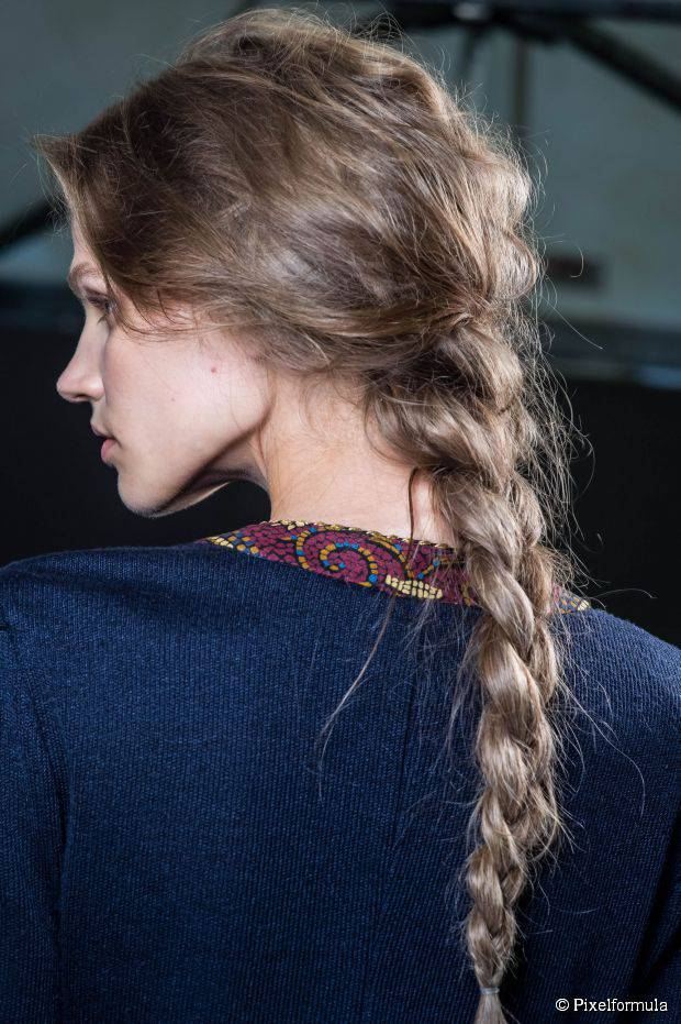 15 besten Frisuren für natürlich gewelltes Haar jeder Länge