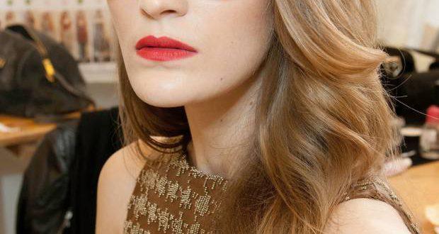 3 Frisuren, die dich jünger aussehen lassen