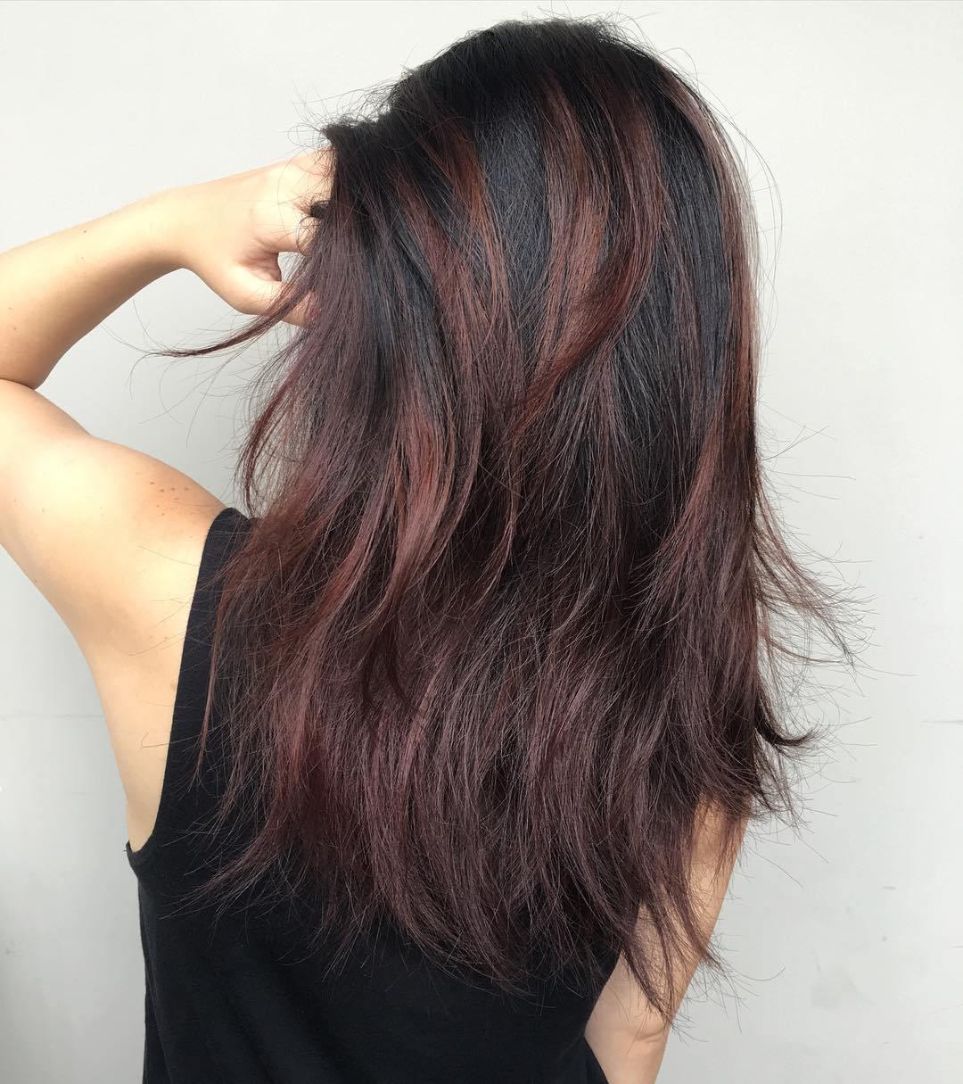 27 schönsten mittellangen Haarschnitte für dickes Haar