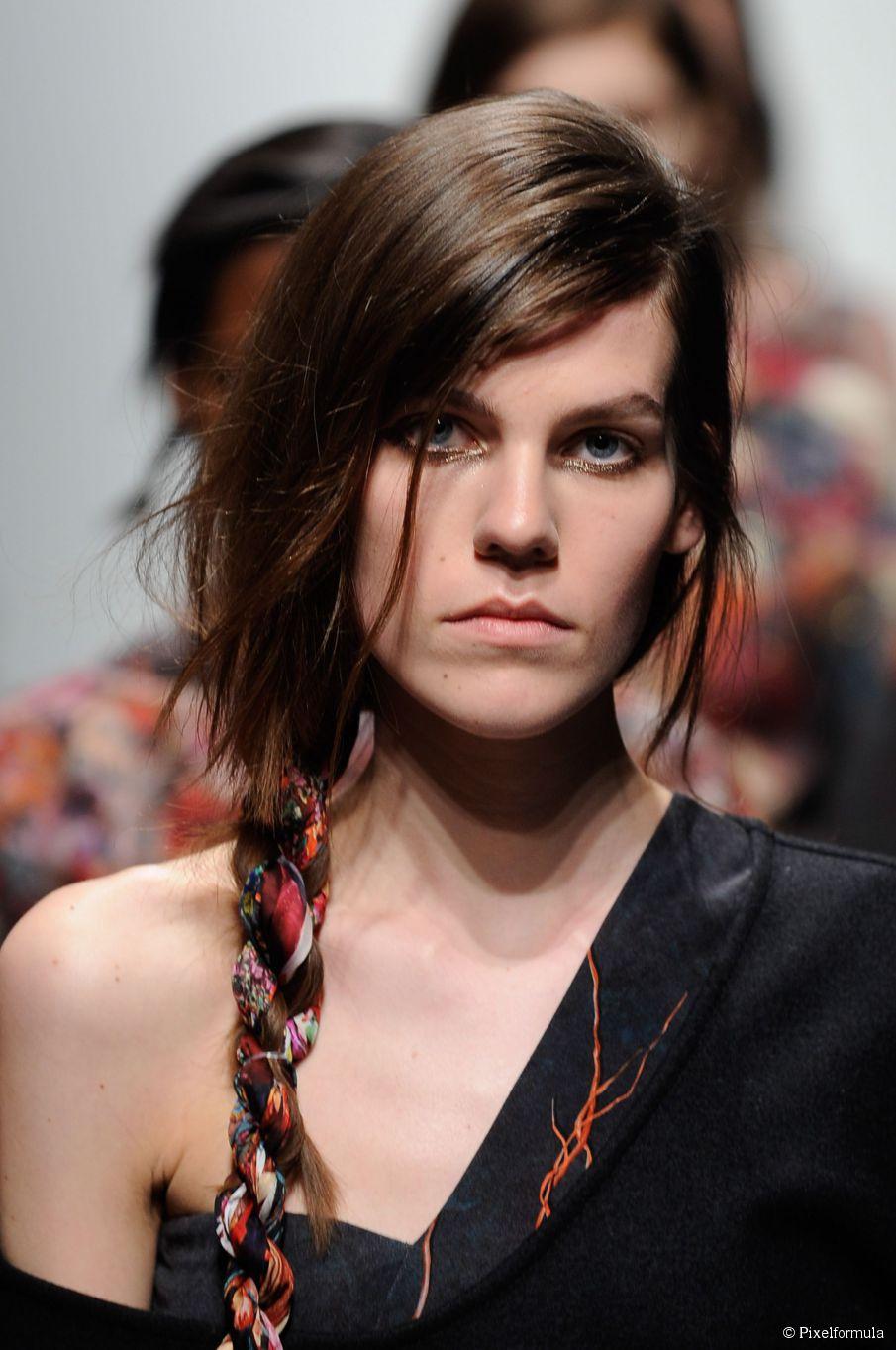 5 lässige Sommer Frisuren für langes Haar