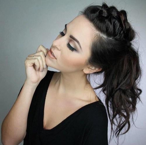 10 schöne Pferdeschwanz Stile für schwarzes Haar
