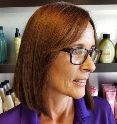 20 stilvolle mittlere Frisuren für Frauen über 50