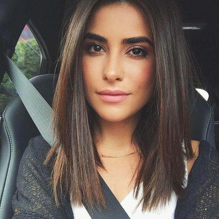 30 mittlere gerade Frisuren für Frauen attraktiv aussehen