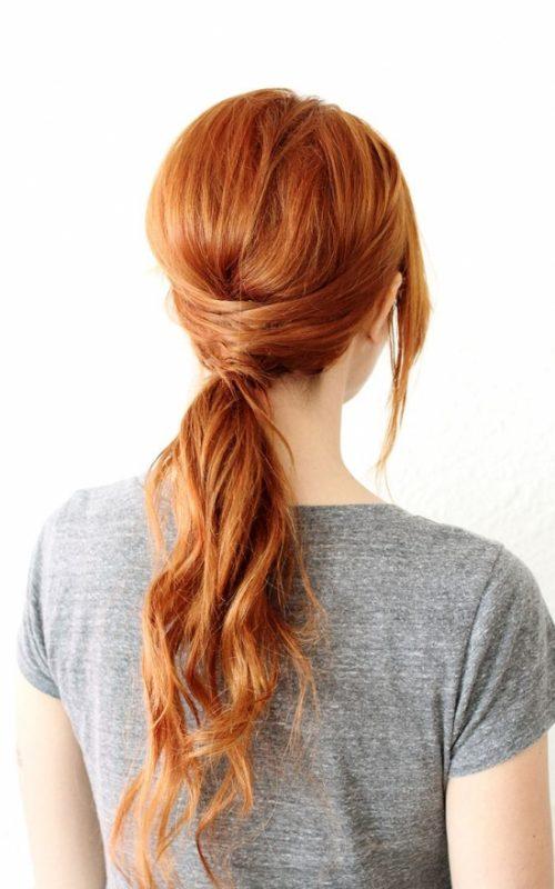Mühelose unordentliche Pferdeschwanz-Frisuren