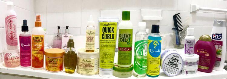 Top 9 wesentliche Haarpflege-Linien für lockiges bis verworrenes Haar