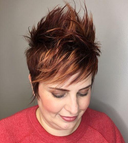 20 Top Short Frisuren für Frauen mit runden Gesichtern über 50