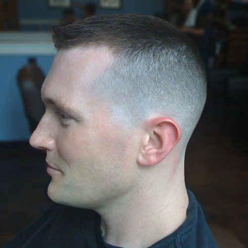 Männliche Frisuren für Glatzenbildung - 5 ausgezeichnete Frisuren-Ideen
