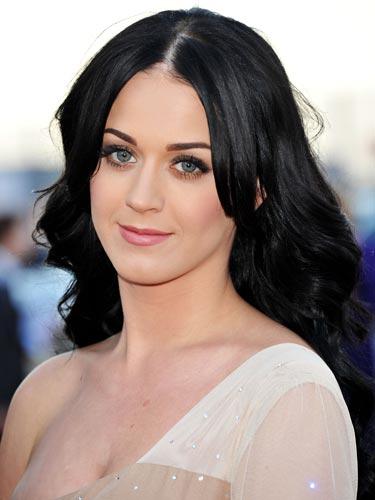 Neu Super dunkle Haarfarben von Prominenten