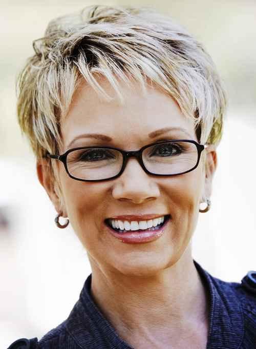 Frauen Frisuren für graue Haare - Hilfreiche Tipps und Haarschnitte