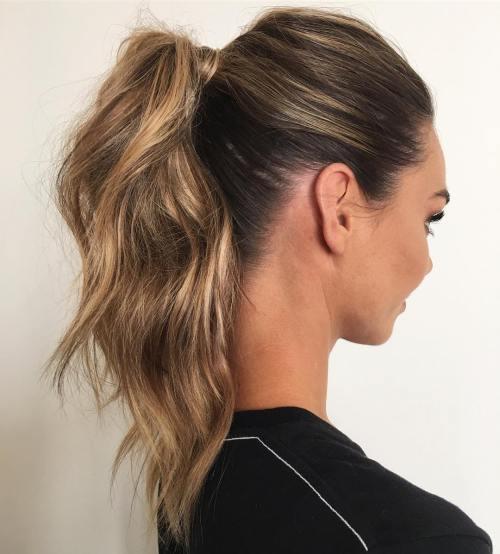 20 einfache Frisuren für das fabelhafte Mädchen auf dem Sprung
