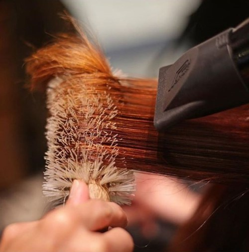 Möglichkeiten, Salzwasser beschädigtes Haar wiederherzustellen