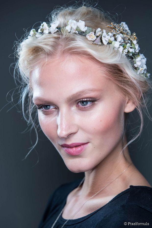 15 süße Frisuren für Hochzeitsgäste