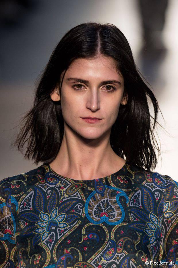 10 einfache Frisuren für Frauen mit langen Gesichtsformen
