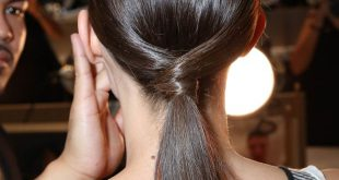 Schickes mittellanges Haar-Tutorial: niedriges Pony mit einem Twist