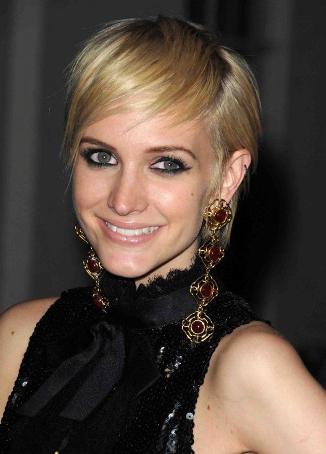 21 Frisuren für lange Gesichter mit Tipps und Tricks