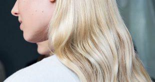 Wie man subtile lose Wellen bekommt: Frisur-Tutorial